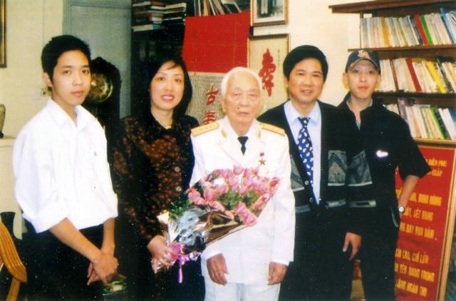 Những lời của TS Cù Huy Hà Vũ khi gặp vợ trong Trại tạm giam số 1 Hà Nội vào ngày 13/6/2011