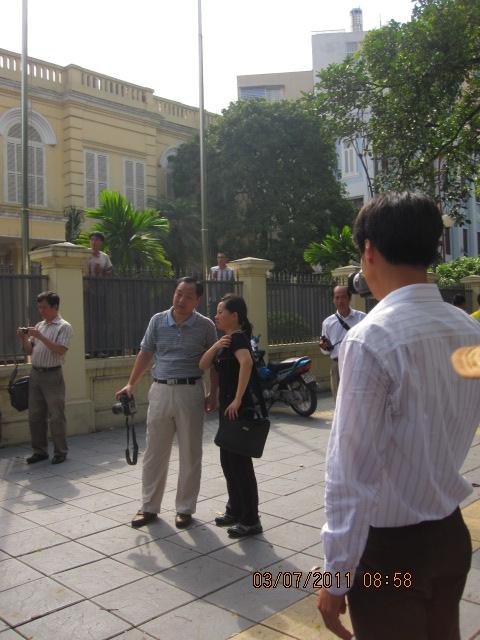 Chùm ảnh bạn đọc gửi đến: Hình ảnh được cho là người Trung Quốc có mặt trong các cuộc biểu tình tại Hà Nội